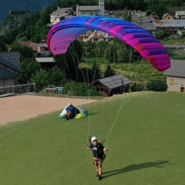 BGD SEED. Developed from the BGD EPIC, acts and feels like a paraglider.