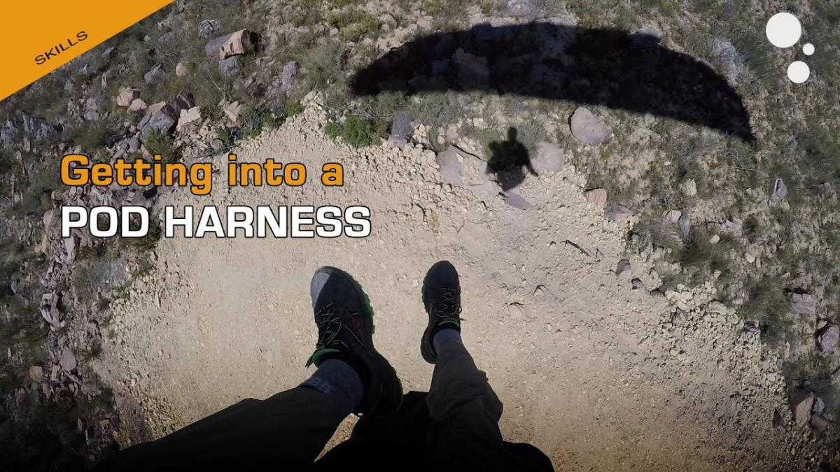 Paragliding Pod Harness Entry Tips