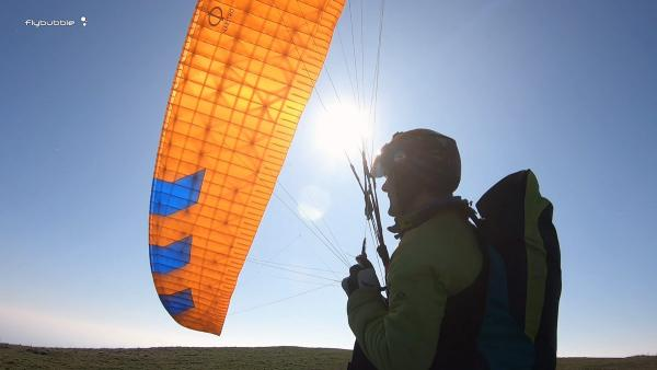 Paragliding safely in strong wind