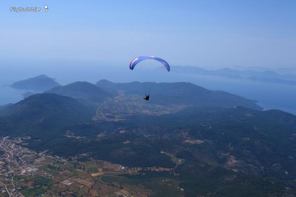 """Paragliding """"Low-airtime SIV"""" by Julian Rayner"""