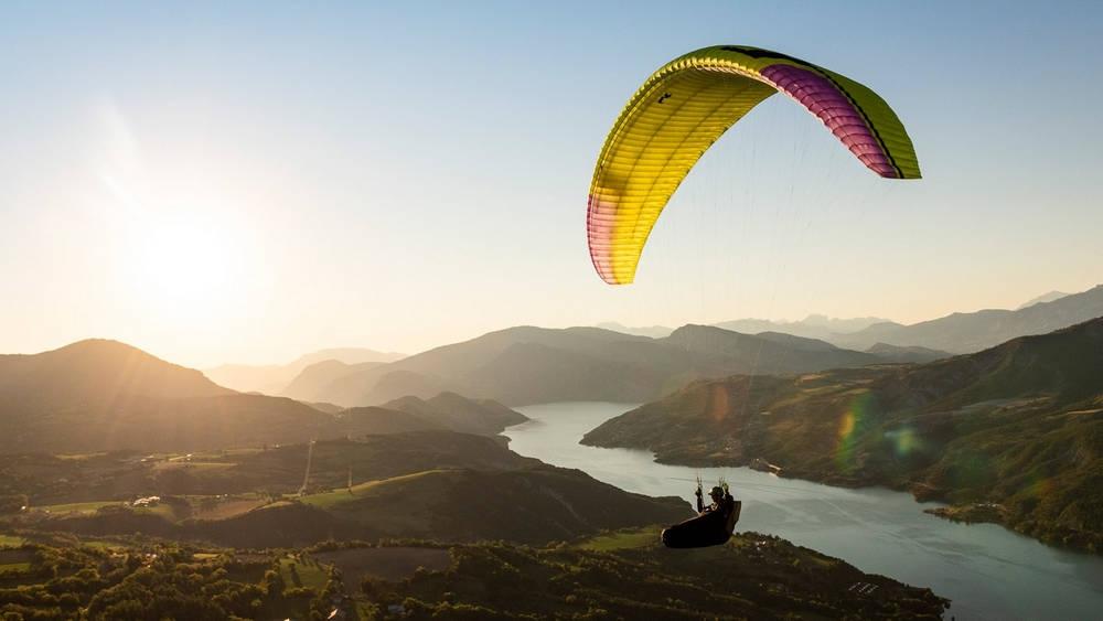Niviuk Artik 6 sports paraglider