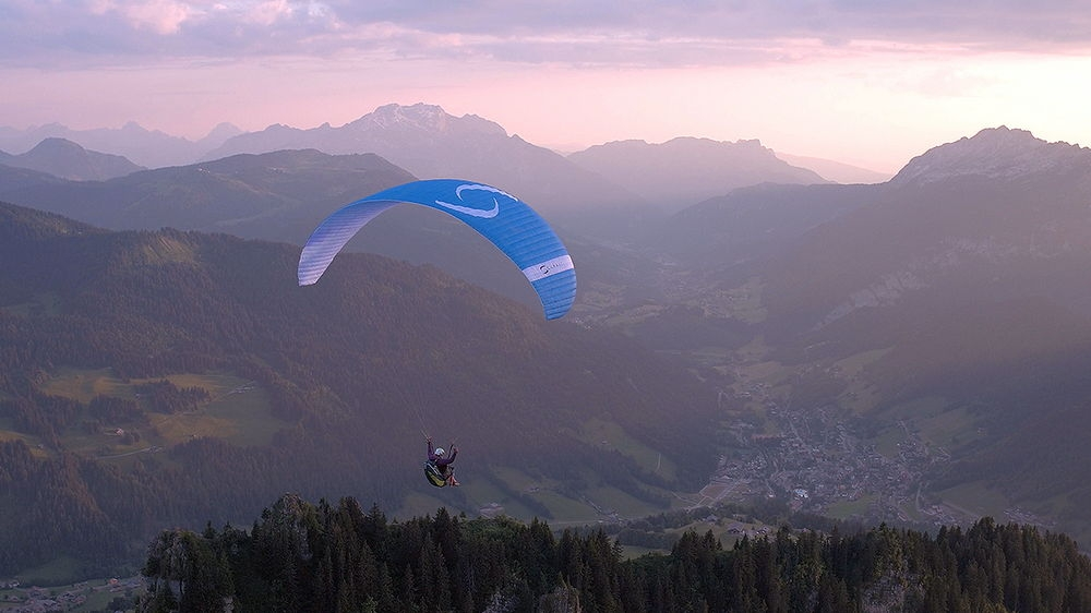 This STEP is designed for ambitious pilots who want to go further, get out of their comfort zone, and go XC flying.