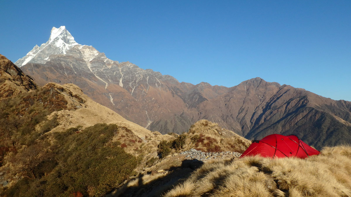 Paragliding in Nepal: camping high
