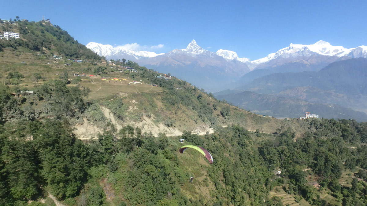 Paragliding in Nepal: a qualified student