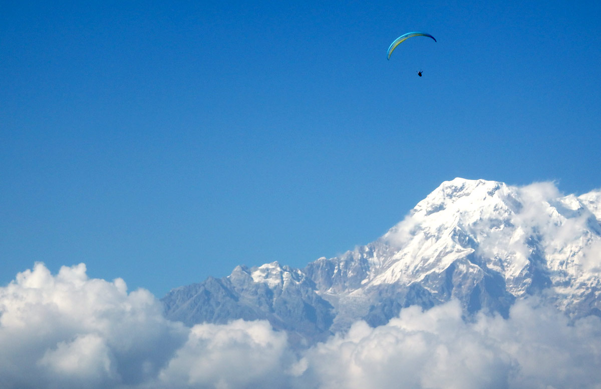 Paragliding in Nepal: those big mountains
