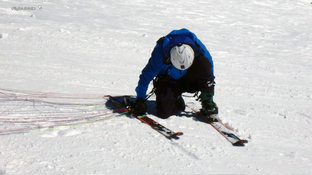 Speed Riding Safety: attaching skis