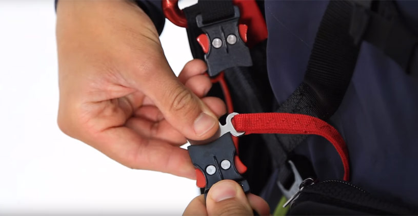 Check all locking buckles