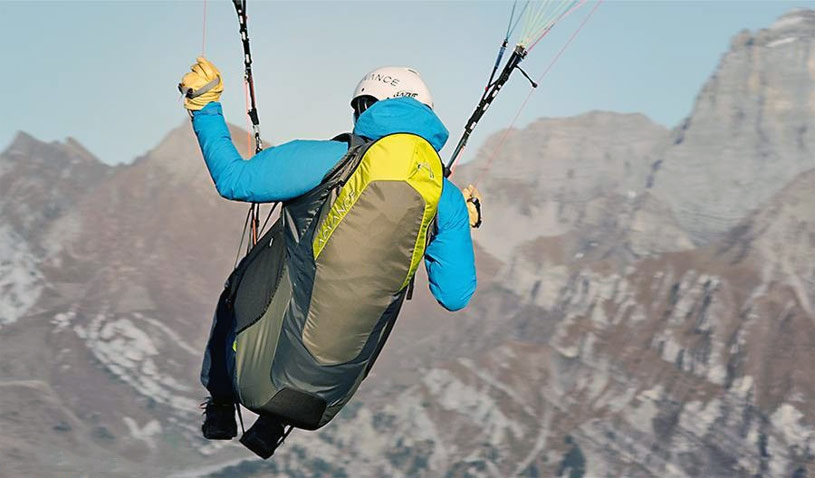 A recreational paragliding harness