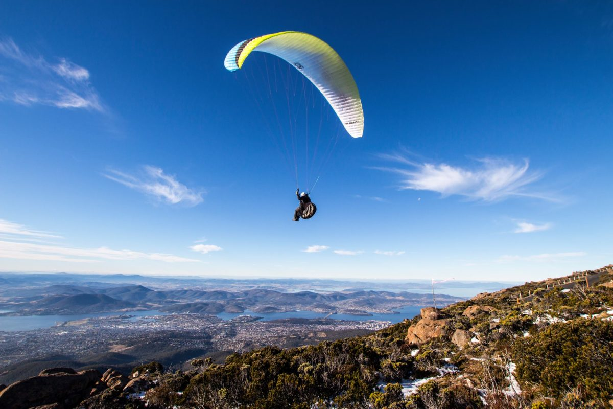 Flying in Tasmania (KUNANYI)