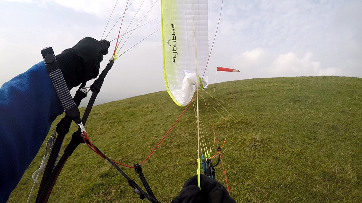 How to fix a cravatte on a paraglider