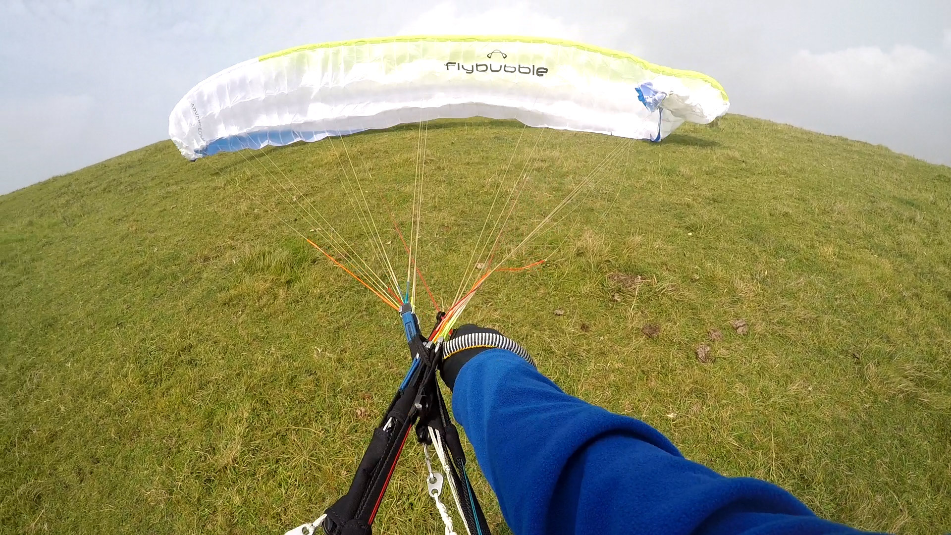 How to fix a cravatte on a paraglider: launch practice