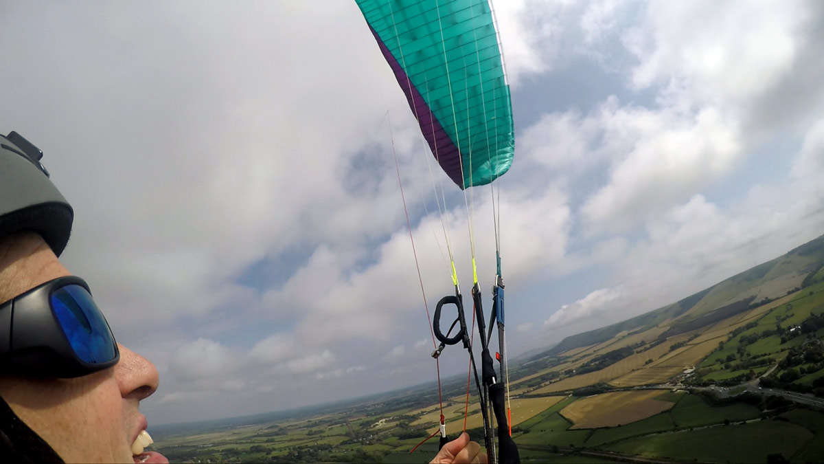 How to fix a cravatte on a paraglider: stabilo