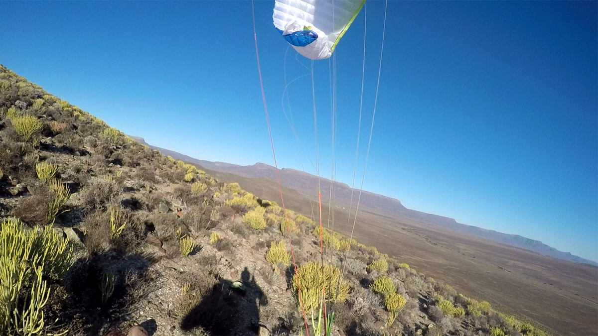 How to fix a cravatte on a paraglider: danger