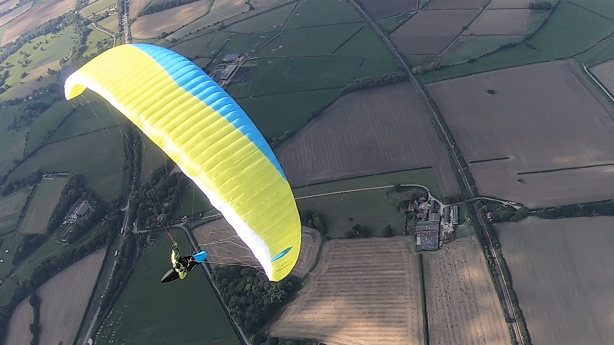 Advance XI paraglider review: turn