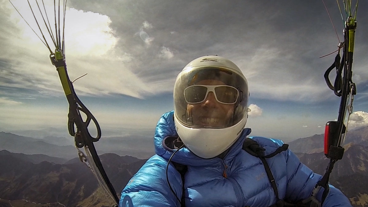 Paragliding Bir (Himalaya): high and happy