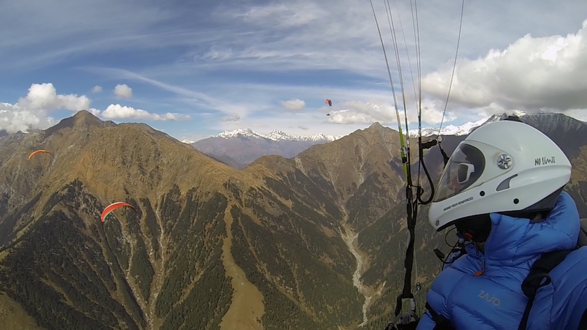 Paragliding Bir (Himalaya): guided crossing