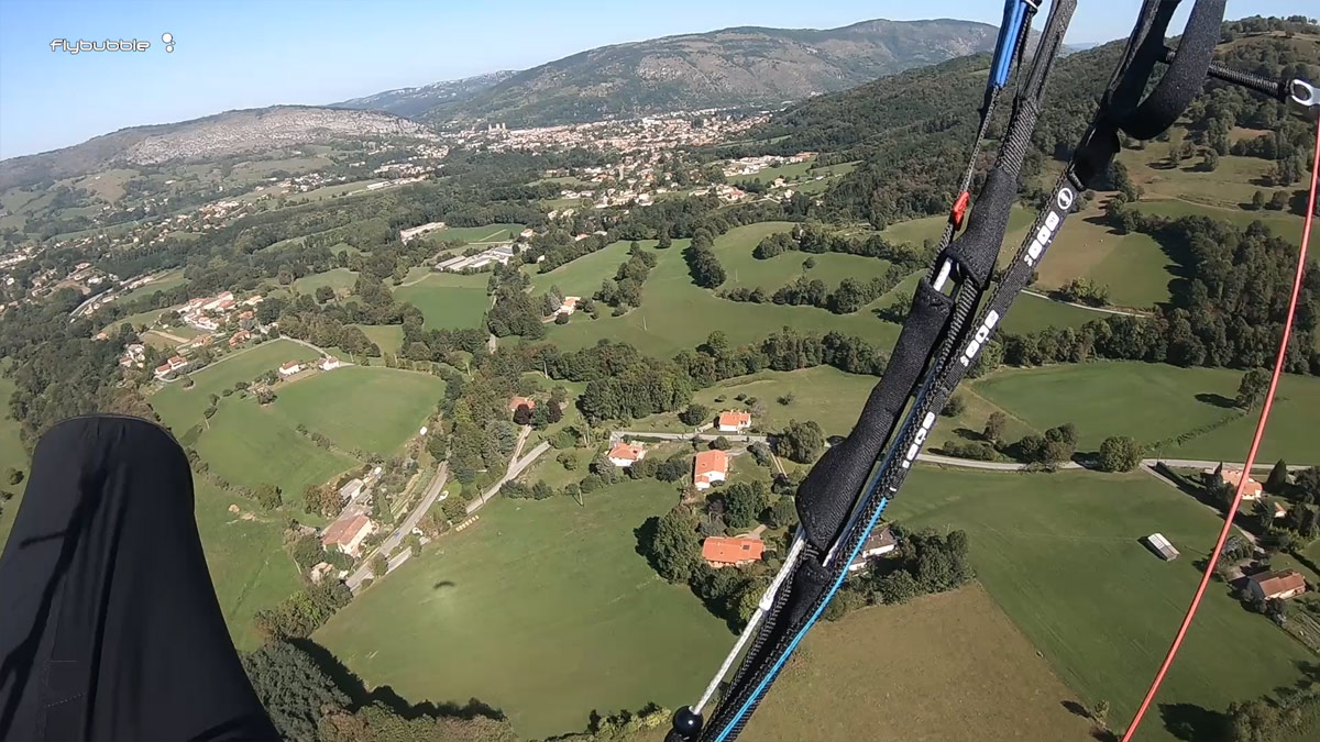 Paraglider landing approach tips: wind direction