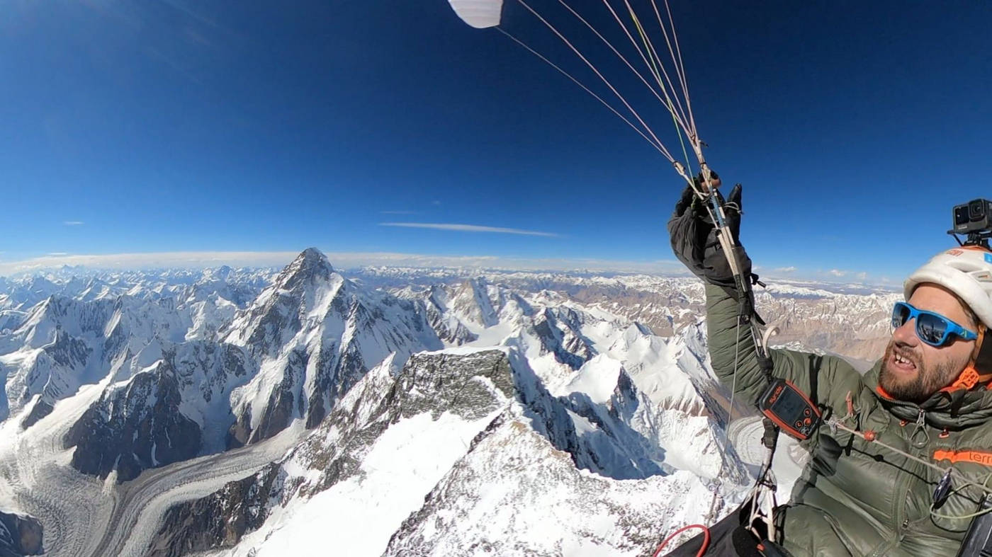 Highest voluntary altitude by paraglider 8407m ASL by Antoine Girard