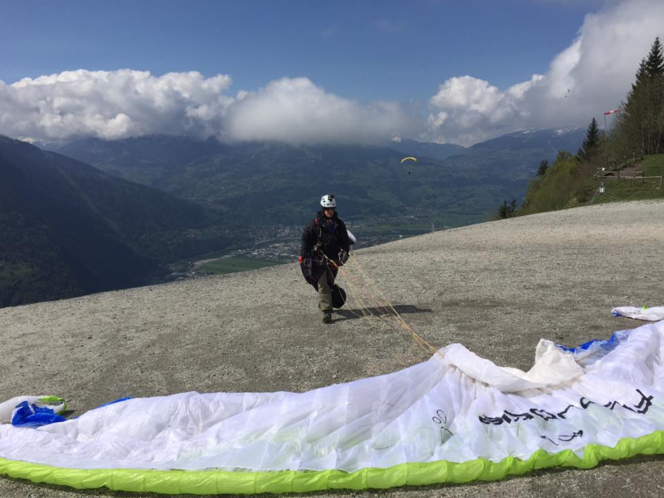 Bornes To Fly: setting up on Plaine Joux