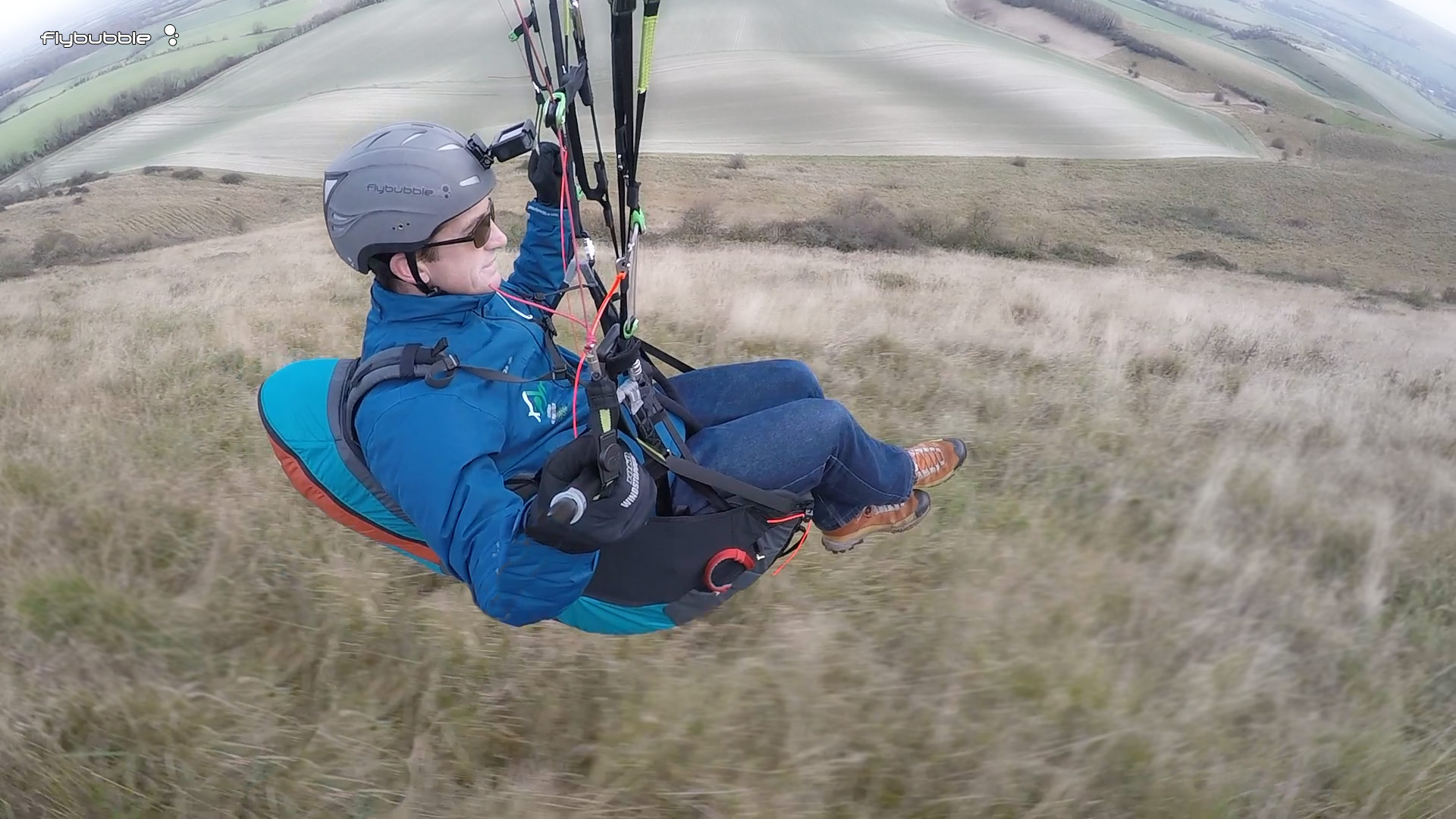 Advance Success 4 harness review - swooping over the grass